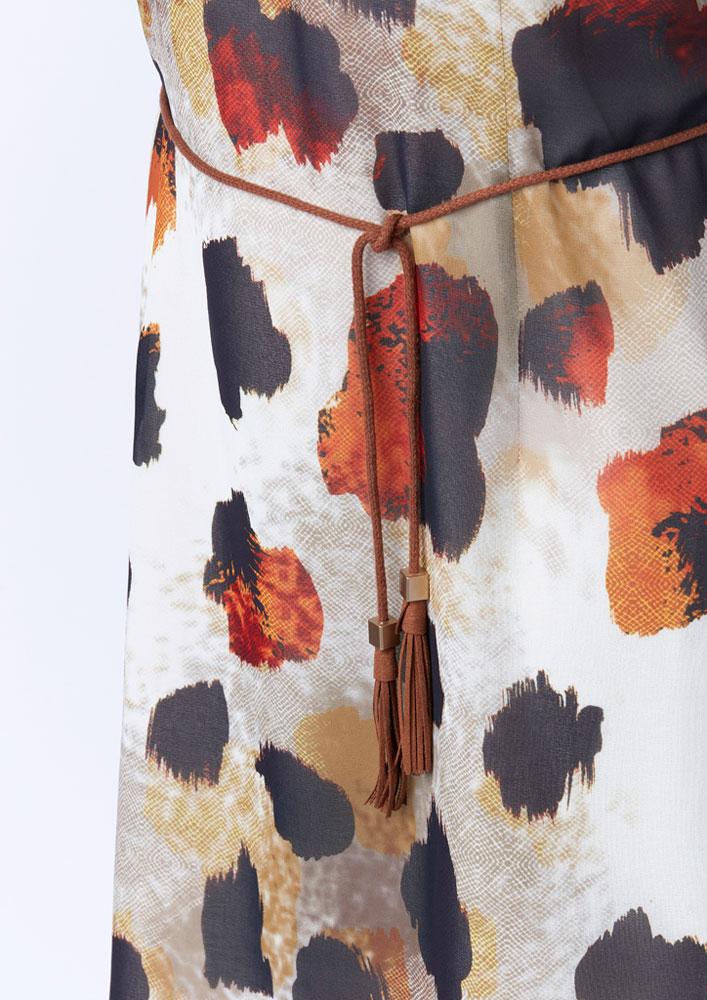 Détail de la robe, ceinture en fil